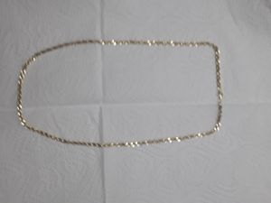 18 inch Real 10kt gold diamond cut rope chain . Great gift. REAL GOLD 10KT NO LOW BALLS 375 OBO 18 INCHES for Sale in Mechanicsburg, PA