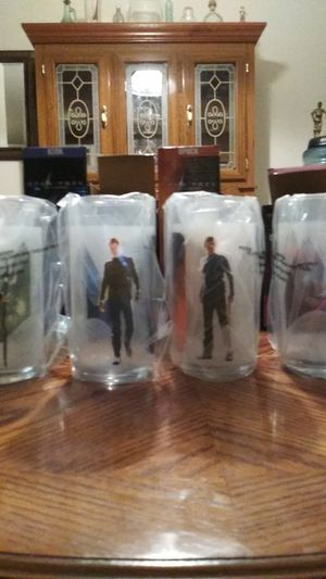 Collectable Star Treck glasses this r jack in the box back in 2005. Never neem used still in plastic for Sale in San Antonio, TX
