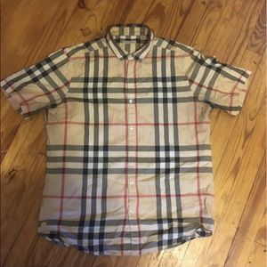 Burberry Shirt for Sale in Lansing, IL