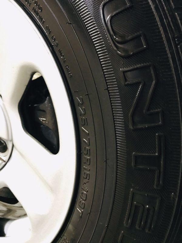 2016 Jeep Wrangler wheels