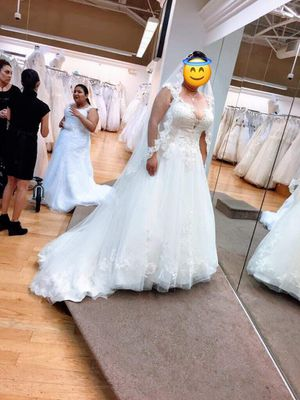 New wedding dress and Accessories for Sale in San Leandro, CA