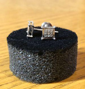 10k White Gold Diamond Earrings (screw backs) for Sale in Dallas, TX