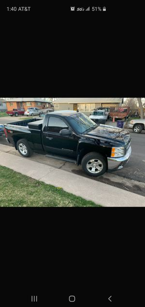 Chevy silverado z71 for Sale in Denver, CO