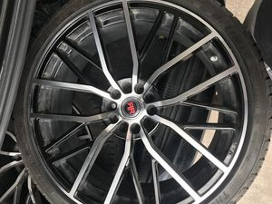 20s for sell ! Text for more pics .. Also universal rims so they adapt to many cars for Sale in Glenn Heights, TX