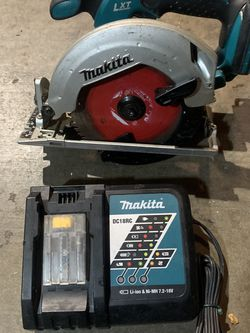 Makita Skilsaw And Charger No Battery for Sale in San Jose,  CA