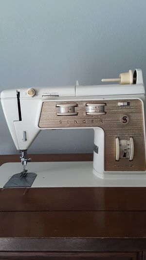 Singer Sewing machine for Sale in Tampa, FL