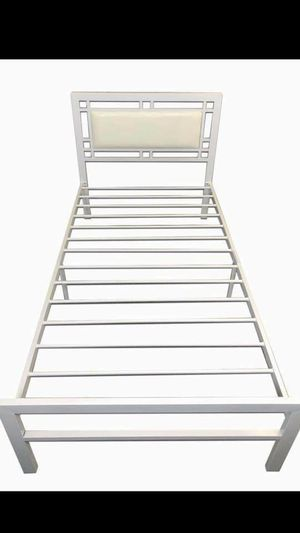 New metal bed frame twin size for Sale in Los Angeles, CA