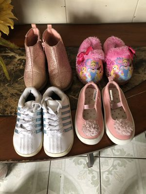 Toddler girl shoes size 6/7 for Sale in Jurupa Valley, CA
