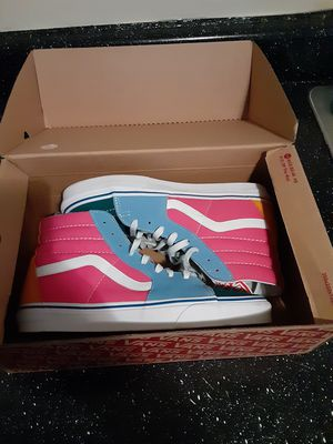 Off the wall Suede canvas vans for Sale in Clarkston, GA