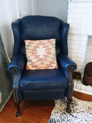 Genuine Leather Recliner for Sale in Alexandria, VA