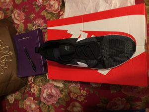 Nike Men's Tennis shoe size 9 for Sale in Harvey, LA