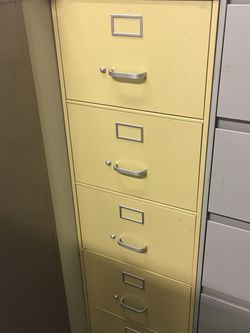Yellow five drawer file cabinet $60 for Sale in Mulberry,  FL