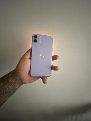 iPhone 11 PURPLE 128gb ATT-CRICKET for Sale in Selma, CA