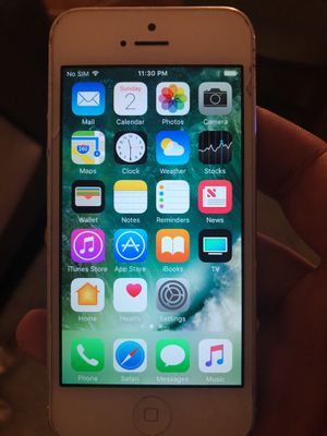 iPhone 5 32gb unlocked for Sale in Houston, TX