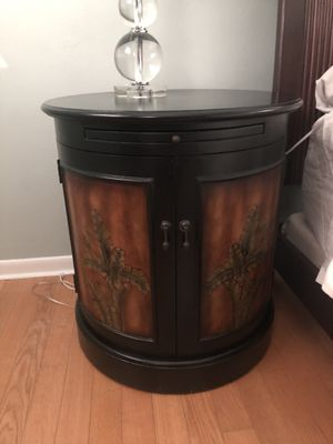 Wood side table nightstand cabinet for Sale in Miami, FL