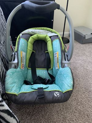 Baby car seat for Sale in Greenville, NC
