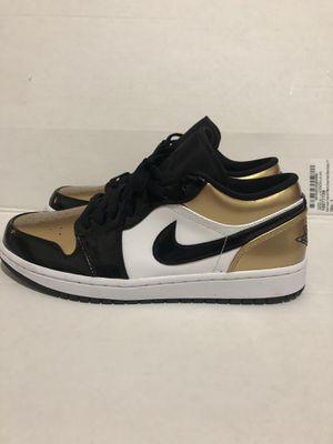 Nike air Jordan 1 gold toe low size 9.5 for Sale in Auburn, WA