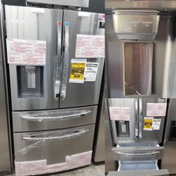 NEW OUT OF BOX SAMSUNG STAINLESS STEEL FOUR DOOR REFRIGERATOR for Sale in Yorba Linda,  CA