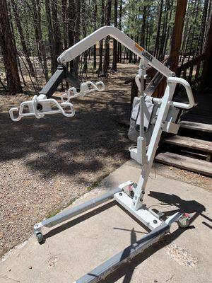 A medical lift used five times for Sale in Pinetop-Lakeside, AZ