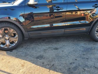20 Inch Stock Ford Explorer Wheels for Sale in Bell Gardens,  CA