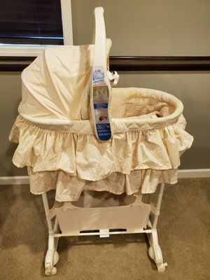 The First Years Carry-Me-Near 5-in-1 Bassinet for Sale in Chanhassen, MN