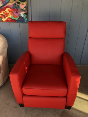 Recliner red chair for Sale in Phoenix, AZ