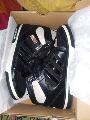 Adidas shoes.. Size 10½ men. for Sale in Queens, NY