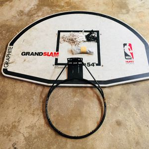 BASKETBALL BACKBOARD AND HOOP for Sale in Barrington, IL
