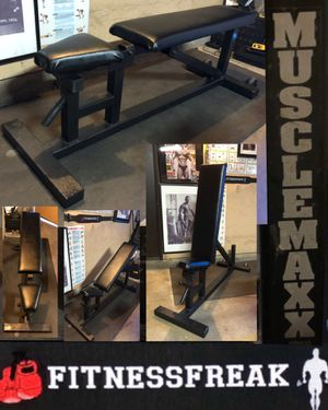 Musclemaxx Flat to Incline FID WEIGHT Bench for Sale in Spring Valley, CA