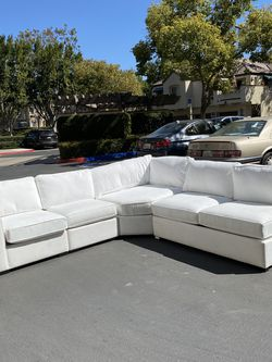Beautiful 4-piece Sectional for Sale in Irvine,  CA