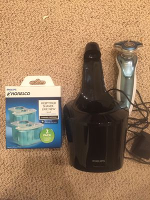 Phillips Norelco Electric Shaver 7500 for Sensitive Skin for Sale in Damascus, MD