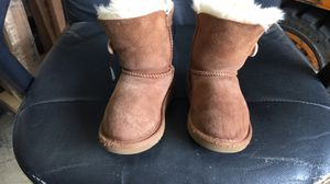 Girls ugg boots size9 for Sale in San Diego, CA
