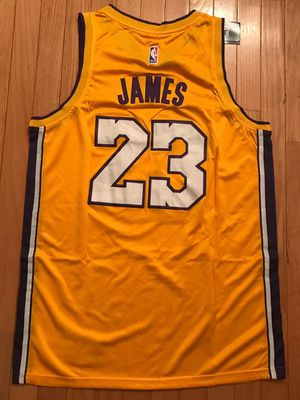 NEW Lebron James LA Lakers jersey size Medium for Sale in Fairfax, VA