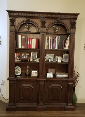 Bookcase / Cabinet for Sale in Pearland, TX