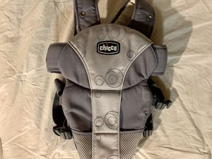 Chicco baby carrier for Sale in Tacoma, WA