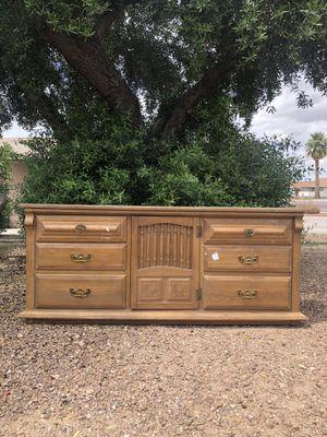 Long vintage dresser for Sale in Glendale, AZ