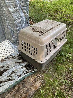 Large dog carrier cage , used once for Sale in Grottoes, VA