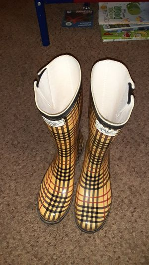 Rain boots for Sale in Mesquite, TX