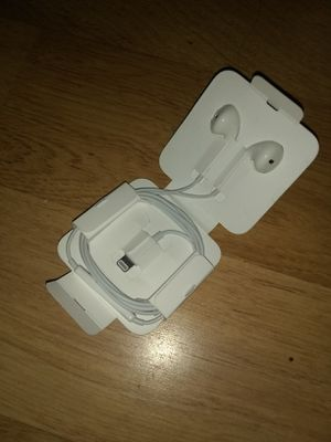 Original apple headphones for Sale in Annandale, VA