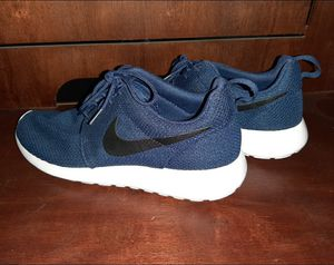 NIKE ROSHE ONE Mens Sneakers sz 10 running shoes athletic tennis shoe 511881-405 for Sale in Redondo Beach, CA