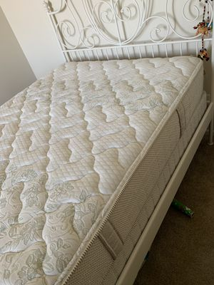 Full-size mattress, bed frame & box spring GREAT condition for Sale in Alexandria, VA