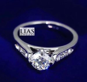 New 18 k white gold engagement ring for Sale in FL, US