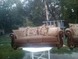 Soda and loveseat good shape for Sale in Fort Meade, FL