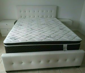NEW BEAUTIFUL DIAMOND BED WITH MATTRESS AND BOX SPRING WITH 2 NIGHTSTANDS for Sale in Biscayne Park, FL