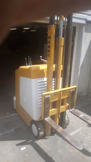 NAMCO STAND-IN FORKLIFT for Sale in Tacoma, WA