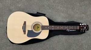 Washburn Lyon LG1PAK - Acoustic guitar with gig bag, strap, picks and extra strings for Sale in Redmond, WA