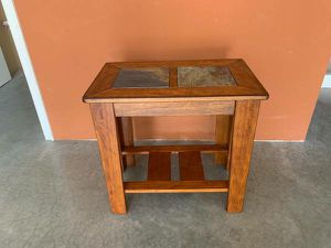 End table for Sale in East Wenatchee, WA