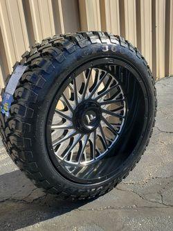Brand New 22x12 Wheels Wrapped In 33s (Hablo Español) for Sale in Elgin,  IL