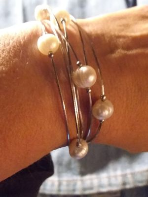 silver pearl bracelet with magnetic clasp.....prev owned $25 for Sale in Phoenix, AZ