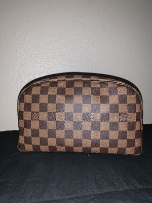 Louis Vuitton Toiletry bag 25 for Sale in San Jose, CA